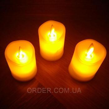 Светодиодные свечи с имитацией пламени 4W32 (набор 3 шт.)