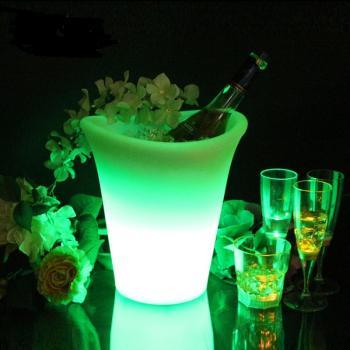 Емкость для льда с подсветкой и пультом Ice Bucket1